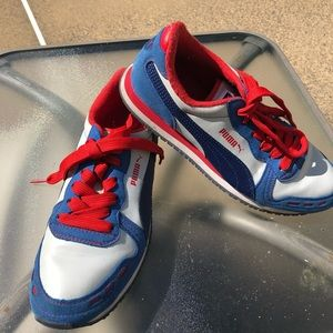 Puma retro red white and blue  sneakers size 7